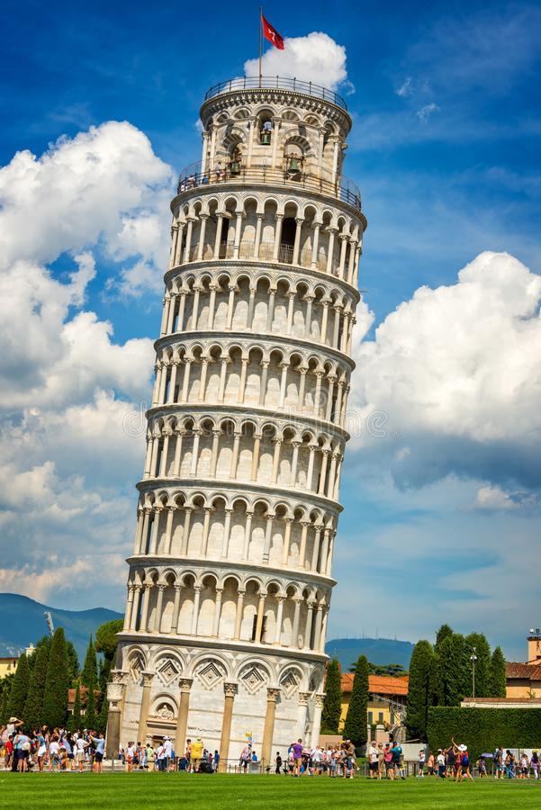 foto de Torre de Pisa Dearquitecto com Tienda Online de